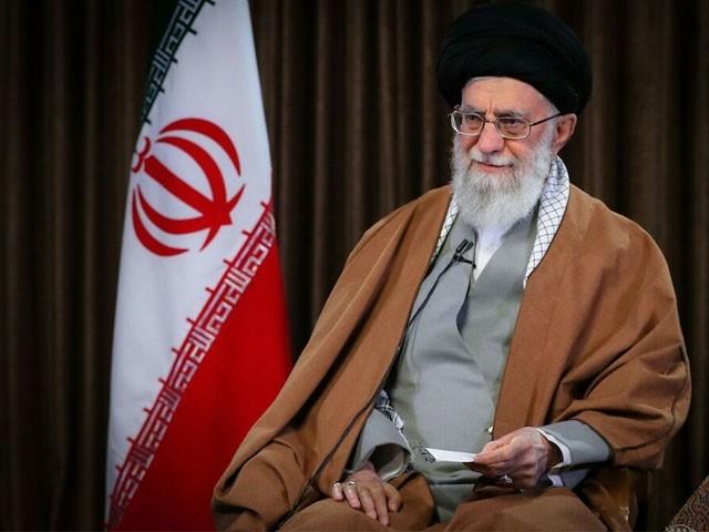 خطے میں امن کے دشمن ایران اور عراق کے درمیان خلیج پیدا کرنے کی کوشش کررہے ہیں، ایرانی سپریم لیڈر (فوٹو : فائل)