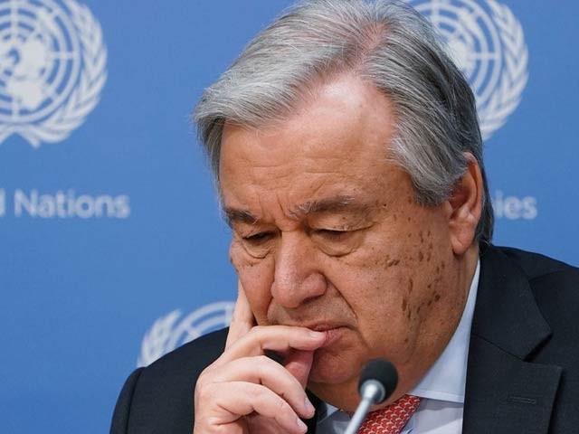 اقوامِ متحدہ کے سیکریٹری جنرل اینتونیو گیوٹریس نے کہا ہے کہ عالمی ادارہ اس وقت شدید مالی بحران کا شکار ہے اور اگلے ماہ عملے کی تنخواہیں دینے کے لیے بھی فنڈز نہ رہیں گے۔ فوٹو: فائل