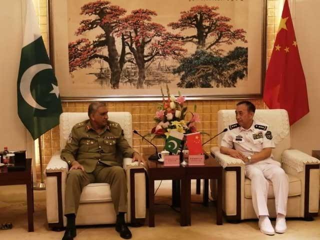 ملاقات میں باہمی دلچسپی اورپیشہ ورانہ امور پر تبادلہ خیال کیا گیا، آئی ایس پی آر فوٹو: ایکسپریس