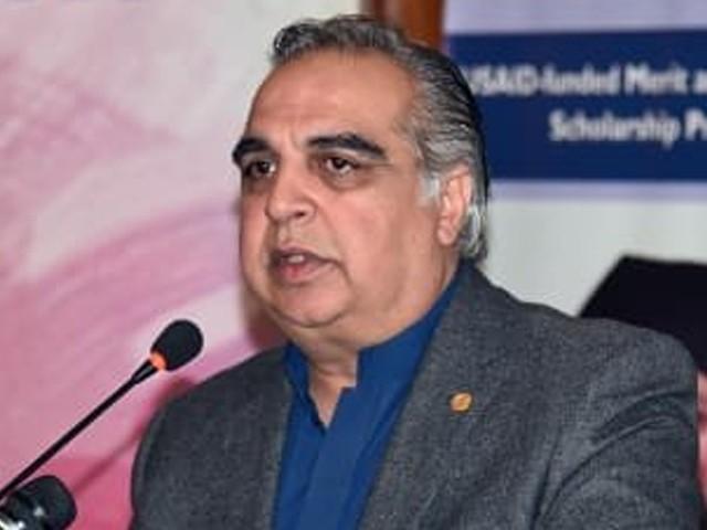 مولانا فضل الرحمن کو وزارت کی پیشکش ہوئی تو وہ دوڑتے ہوئے آجائیں گے، گورنر سندھ (فوٹو: فائل)