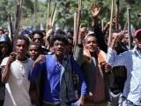 ملک میں نسلی فسادات بھی پھوٹ پڑے۔ فوٹو : ٹویٹر