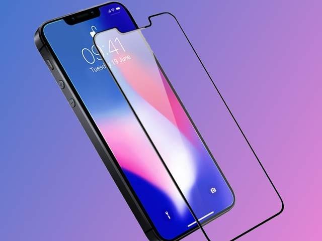 ارزاں ایپل آئی فون ایس ای ٹو اگلے سال مارچ میں فروخت کے لیے پیش کیا جارہا ہے اور اس کی قیمت 400 ڈالر سے شروع ہورہی ہے (فوٹو: فائل)
