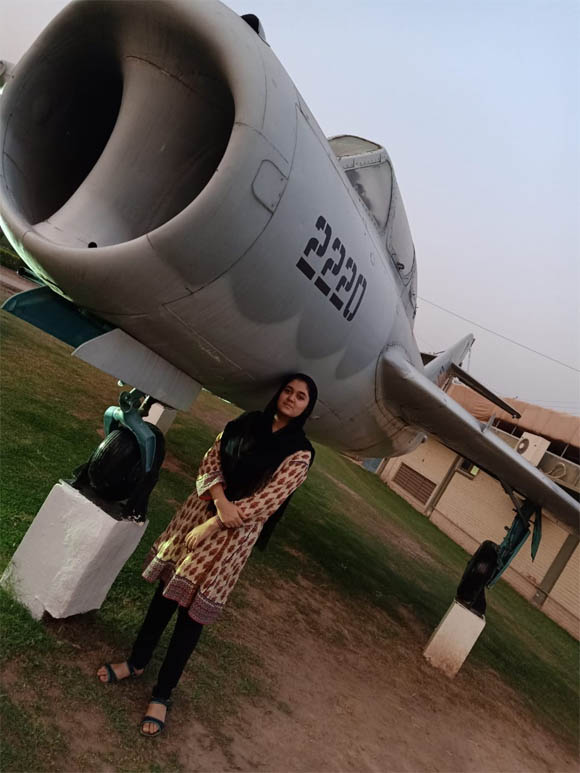 Kainat Juneed First KPK women jet fighter Pilate