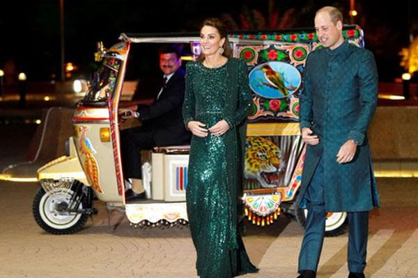Royal Couple in Rickshaw