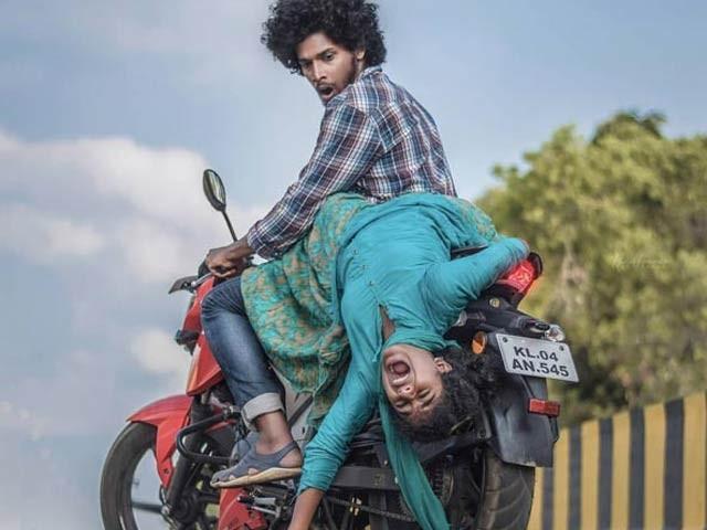 بھارت میں 19 سالہ حافظ ساجد کئی اہم موضوعات پر فوٹوگرافی کرتے ہیں۔ فوٹو: فائل