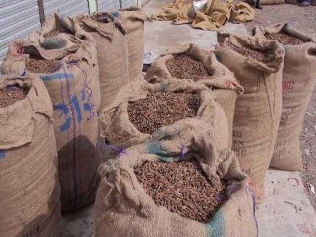 برآمد کئے گئے چلغوزوں کی مالیت سوا کروڑ سے زائد ہے، پولیس حکام۔ فوٹو:فائل