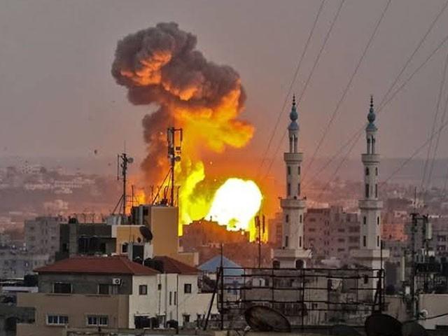 گشتہ روز اسرائیلی فوج نے جہادی کمانڈر کے گھر پر میزائل حملہ کیا تھا جس میں کمانڈر ابوالعطا اہیلیہ سمیت شہید ہوگئے تھے۔ فوٹو : فائل