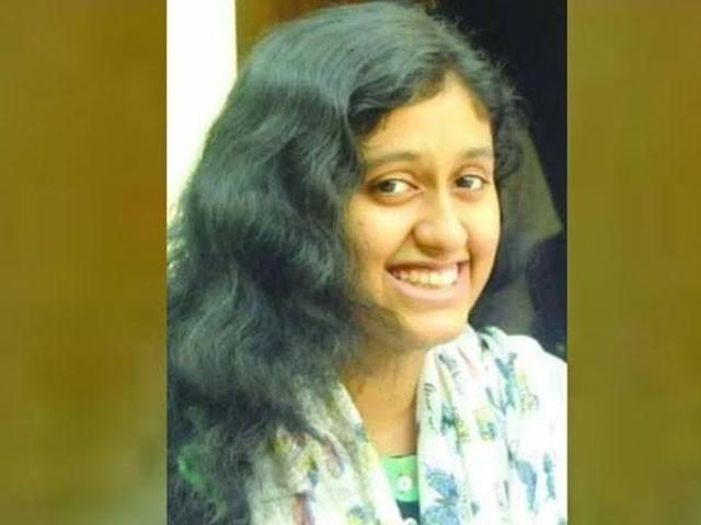 طالبہ کے موبائل سے خودکشی سے قبل لکھا خط اور دو پروفیسرز کے دھمکی آمیز پیغامات ملے ہیں۔ فوٹو : بھارتی میڈیا