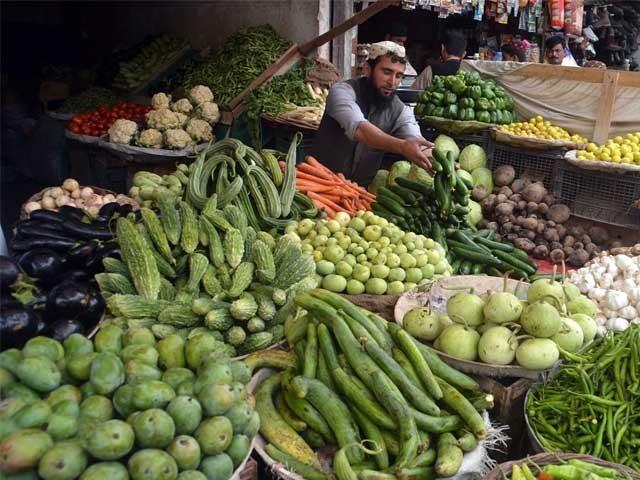 چاول کی بر آمدات 2 لاکھ 1 ہزار 873 میٹرک ٹن  اور سبزیوں کی بر آمدات ایک لاکھ 45 ہزار 675 میٹرک ٹن تک بڑھ گئی، رپورٹ فوٹو: ایکسپریس