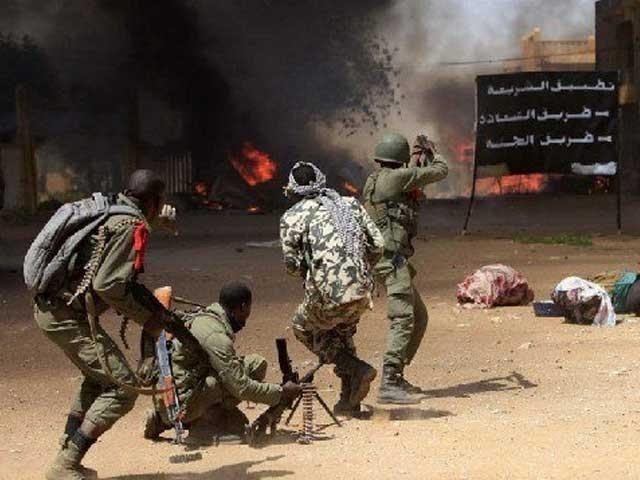 مالی کی فوج نے جوابی کارروائی میں 17 مشتبہ عسکریت پسندوں کو ہلاک اور 100 کو گرفتار کرلیا فوٹو:ٹوئٹر
