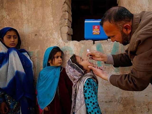 حکومت پاکستان نے ملک کو پولیو فری بنانے کیلیے مربوط اور جامع منصوبہ بندی کی ہے، ڈاکٹر ظفر (فوٹو: فائل)
