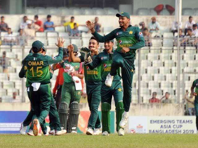 پاکستان نے فائنل میں بنگلہ دیش کو 77 رنز سے شکست دے دی فوٹو:رپورٹر
