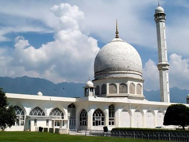 مظفر نگر کے رہائشی 70 سالہ سکھ نے اپنی ذاتی زمین مسجد کی تعمیر کےلیے عطیہ کردی۔ فوٹو : فائل