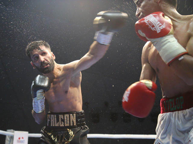 Pakistani Boxer Muhammad wasim win Mexican boxer ganigan lopez