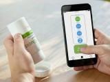 ایپ کے ذریعے کھلنے اور بند ہونے والی بوتل'پل کنیکٹ' دوا کی یاددہانی کراتی ہے اور اس کی اطلاع آپ کے ڈاکٹر کو بھی دیتی ہے۔ فوٹو: ایوکلڈ کمپنی