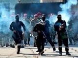 3 ماہ میں سیکیورٹی فورسز اور مظاہرین کے درمیان جھڑپوں میں 500 سے زائد افراد ہلاک ہوچکے ہیں۔ فوٹو : فائل