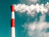 فضائی آلودگی میں کمی سے صحت پر اس کے فوری نتائج سامنے آنا شروع ہوجاتے ہیں۔ فوٹو: فائل