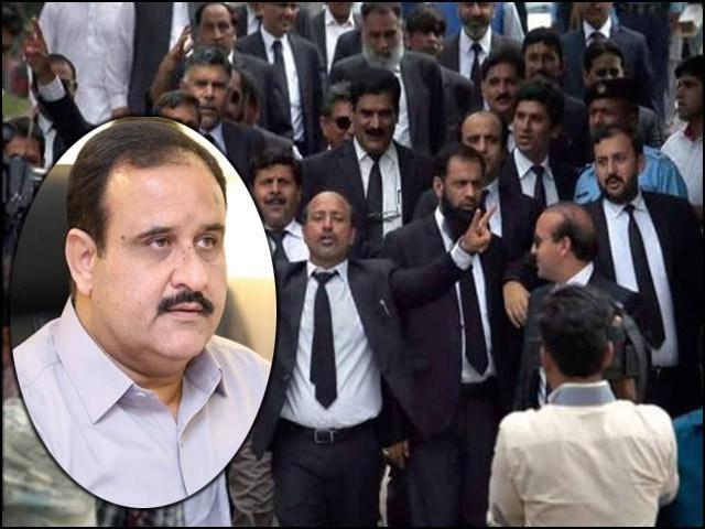لاہور پی آئی سی میں وکلا گردی گھنٹوں جاری رہی لیکن ریاست نے فعال کردار ادا نہیں کیا۔ (فوٹو: فائل)