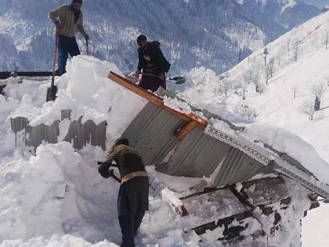 آزاد کشمیر میں برفانی تودے گرنے سے جاں بحق افراد کی تعداد 76 ہوگئی