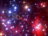 یہ اجرامِ فلکی کچھ وقت کےلیے ستارے بن جاتے ہیں اور کچھ وقت کےلیے وسیع و عریض گیسی بادل کا روپ دھار لیتے ہیں۔ (فوٹو: یو سی ایل اے)