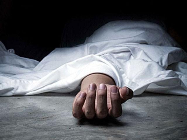اہل خانہ کو قتل کرنے کے بعد سفاک شخص نے چھت سے چھلانگ لگا کر خود کشی کی کوشش بھی کی، فوٹو : فائل