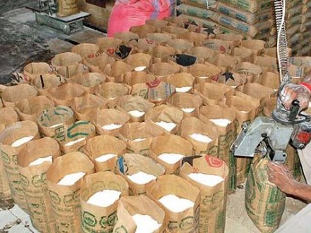 گندم اور آٹے کی قیمتوں میں اضافے کا سبب وفاقی حکومت کی معاشی پالیسیاں ہیں، محمد اسماعیل راہو فوٹو:فائل