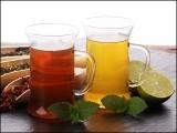 عادی چائے نوشوں میں دل کی بیماری یا فالج کے سے مرنے کی شرح، چائے نہ پینے والوں سے بہت کم دیکھی گئی۔ (فوٹو: انٹرنیٹ)
