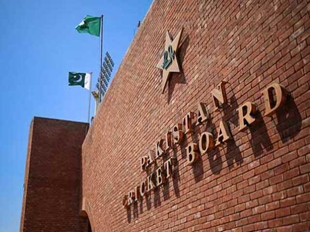 قومی کرکٹرزکی بھرپور مشقیں جاری، دل کھول کر اسٹروکس کھیلے
