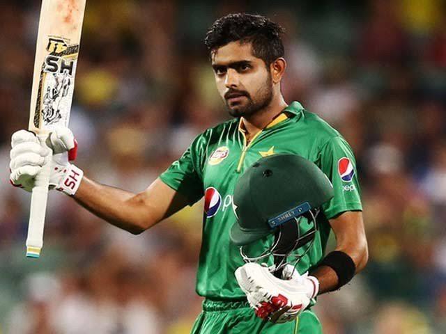 اس وقت پاکستان اور جنوبی افریقہ کے درمیان ٹیسٹ میچ ہورہا تھا، اب وہ جمعے کو کپتان کی حیثیت سے میدان میں اتریں گے۔ فوٹو: فائل