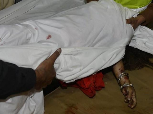 لڑکی کی لاش پوسٹ مارٹم کے لئے اسپتال منتقل کردی گئی، پولیس