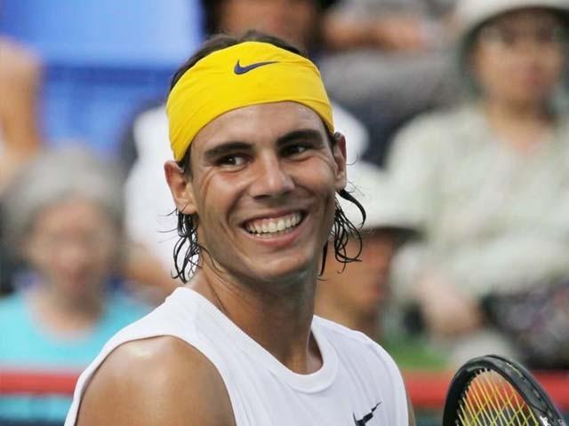 اپنے پسندیدہ ٹینس اسٹار سے اتنے قریب سے ملنے پر بے حد خوش ہوں، انیتا۔ فوٹو : فائل