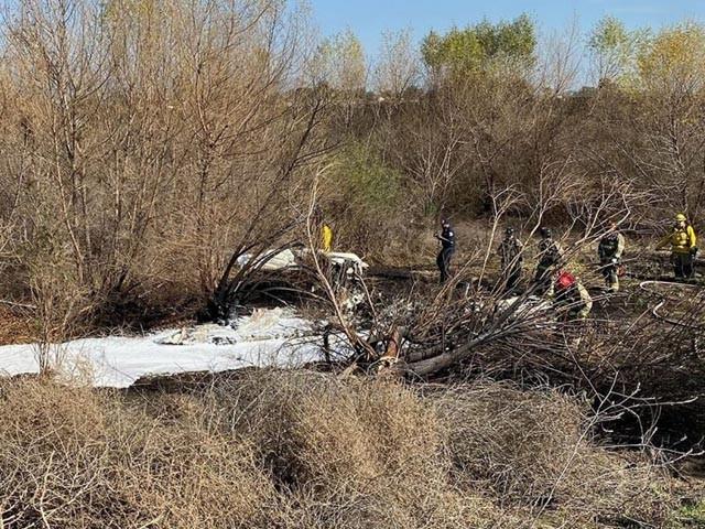 طیارے میں گرتے ہی آگ بھڑک اُٹھی جس میں مسافر بھی جل گئے ، فوٹو : کورونا فائر بریگیڈ