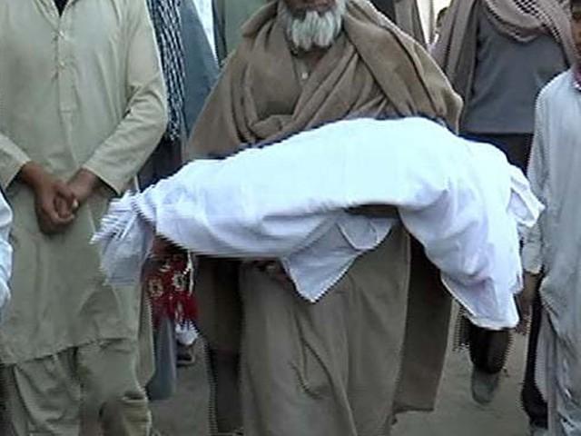 لاش کو قبضہ میں لے کر باپ کو گرفتار کرکے کارروائی شروع کردی، پولیس فوٹو: فائل