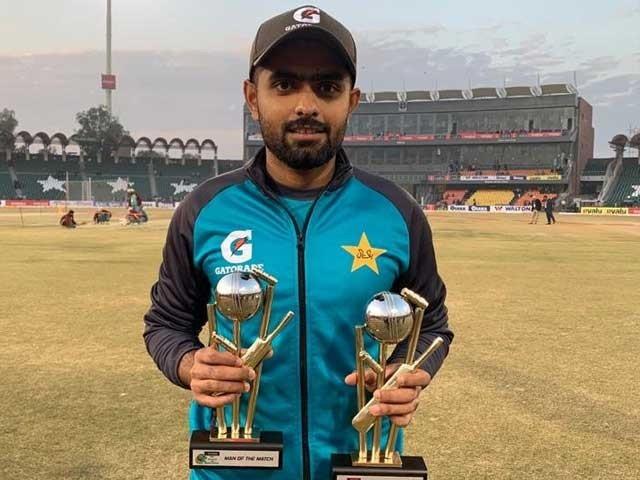 سرفراز احمد بھی پی ایس ایل میں اچھی کارکردگی دکھاکر کم بیک کرسکتے ہیں، قومی کپتان - فوٹو؛ پی سی بی