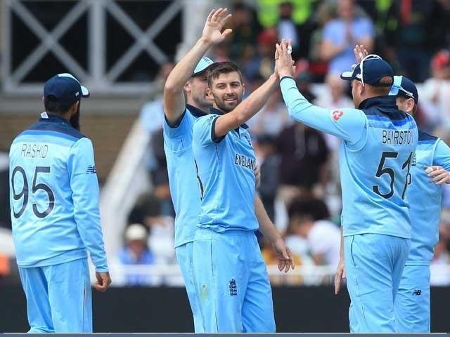 آسٹریلیا کی ٹیم 4 لاکھ 32 ہزار 706 رنز کے ساتھ دوسرے جبکہ بھارت 2 لاکھ 73 ہزار 518 رنز کے ساتھ تیسرے نمبر پرموجود ہے۔ فوٹو: فائل