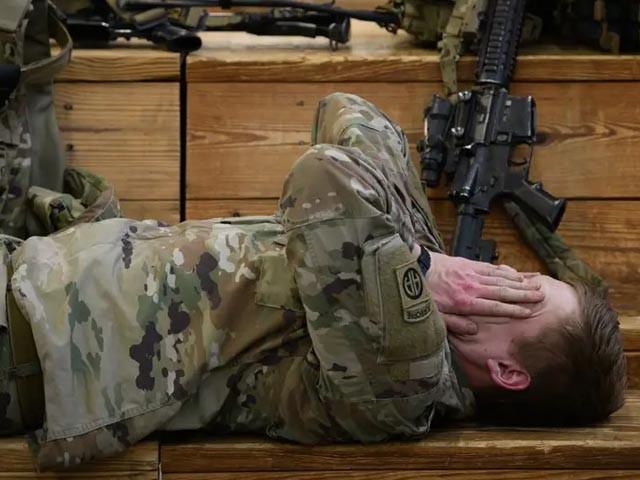میزائل حملے کے بعد امریکی فوجی شدید ذہنی، جذباتی دباؤ اور خوف کا شکار ہیں، فوٹو : فائل