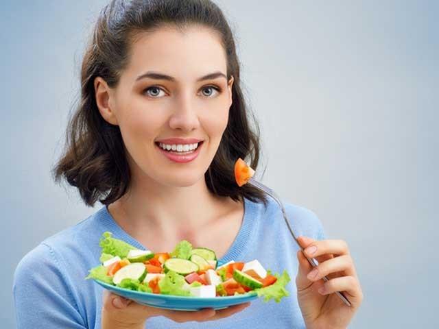 ہم اپنی خوراک میں ردو بدل کر کے خاطر خواہ حد تک بیماریوں سے محفوظ رہ سکتے ہیں