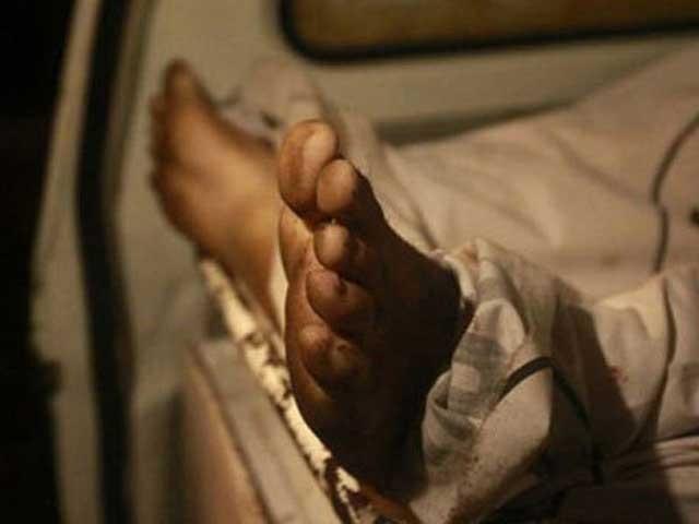مراد شاہ کے انتخابی حلقے سیہون میں 10سالہ رحیماں کو آوارہ کتوں نے کاٹ لیا