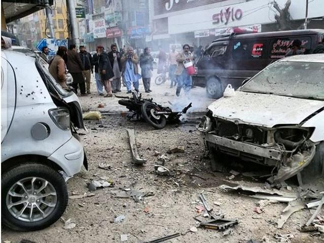 دھماکے کے باعث قریبی عمارتوں کے شیشے ٹوٹ گئے اور کئی گاڑیوں کو بھی نقصان پہنچا، پولیس۔ فوٹو : ٹوئٹر