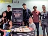 مریخ پرچلنے والی روبوٹ گاڑی بھی سعداورانکی ٹیم نے بنائی تھی،سعد نے STEMایجوکیشن کاکورس پاکستان میں متعارف کرایا۔ فوٹو: ایکسپریس
