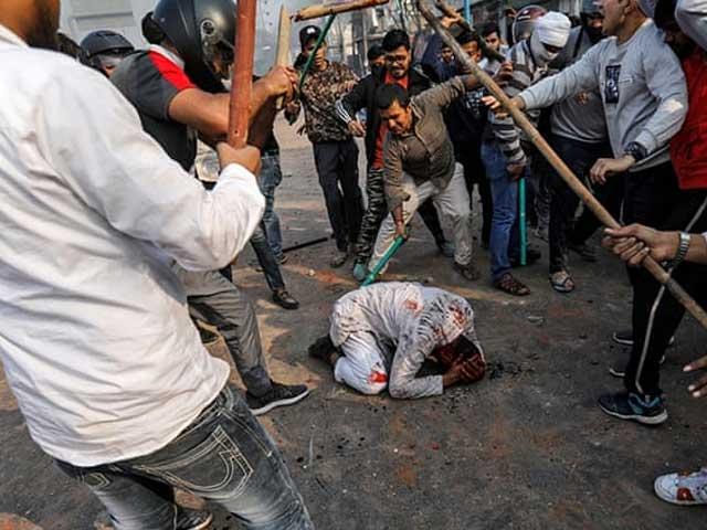 بھارتی پولیس کی سرپرستی میں بی جے پی رہنماؤں اور انتہا پسند ہندوؤں کے مسلمانوں پر حملے