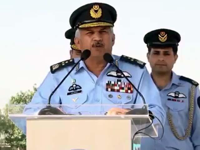 دشمن کی کسی بھی جارحیت کامنہ توڑ جواب دیا جائے گا، مجاہد انور خان۔ فوٹو : فائل