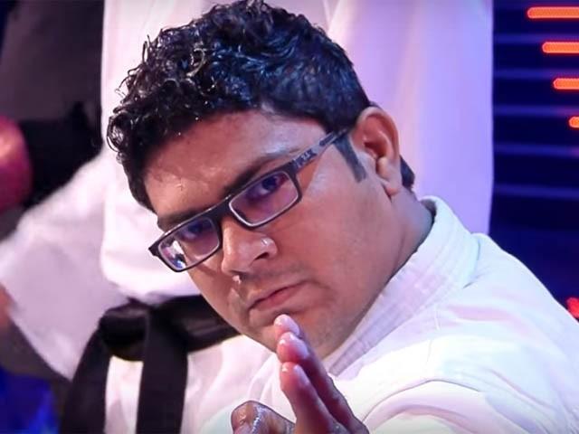 کورونا وائرس رپورٹ ہونے پر محمد راشد کو اٹلی کی دعوت منسوخ کرنے پر معذرت خواہ ہیں، میزبان ٹی وی (فوٹو : انٹرنیٹ)