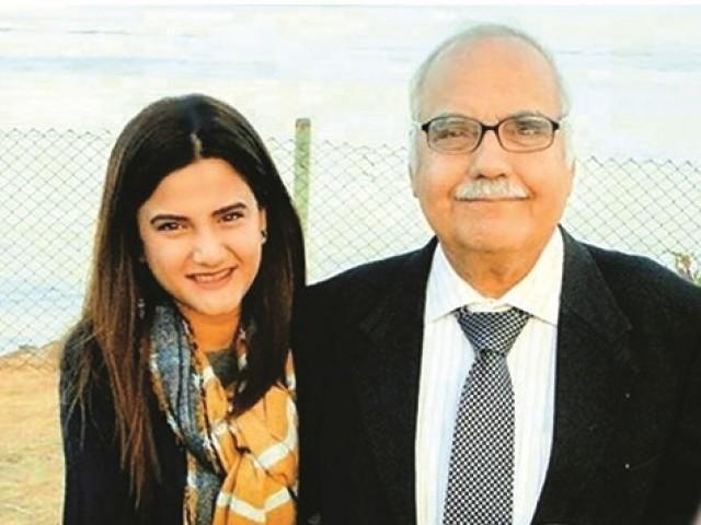 تہذیب سے جوڑے رکھنے کے لیے 'اردو میڈیم' اسکول میں بٹھایا گیا، سنیئر صحافی عظمت انصاری کی زندگی کے نشیب وفراز۔ فوٹو: فائل
