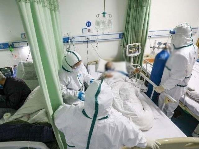 ملک بھر میں کورونا وائرس سے جاں بحق افراد کی تعداد 9 ہوگئی ۔ فوٹو : فائل