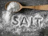 نمک کا زائد استعمال جسمانی دفاعی نظام کو تباہ کرسکتا ہے۔ فوٹو: فائل