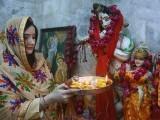 کٹاس راج میں ہندو پجاریوں کی کورونا سے بچاؤ کے لیے خصوصی پوجا  فوٹو: فائل
