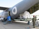 پاک فضائیہ کا ائیر ٹرانسپورٹ بیڑہ ملک کے کونے کونے تک طبی اور امدادی سامان کی نقل و حمل میں اہم کردار ادا کر رہا ہے: فوٹو: پاک فضائیہ