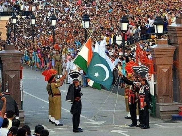 بھارت میں پھنسے ہوئے 193 پاکستانی 5 مئی کو واپس وطن پہنچیں گے فوٹو: فائل