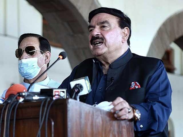 ریلوے بحالی میں سندھ اور بلوچستان سے رکاوٹ ہے، وزیر ریلوے ۔  فوٹو : اے پی پی